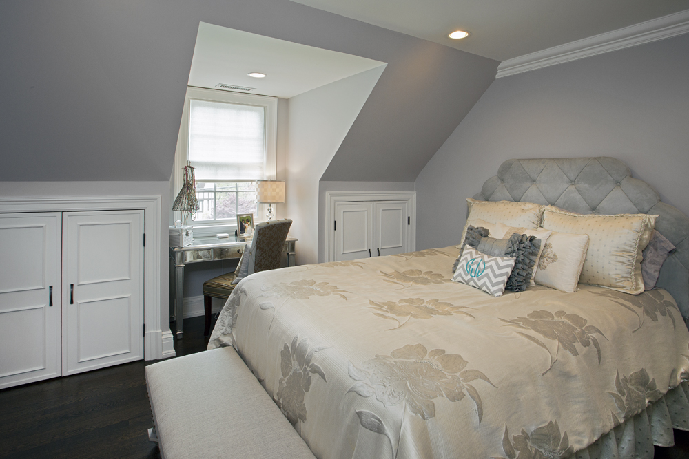 16 Easton Ave11 Bedroom